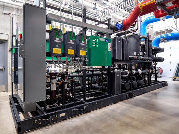 CO2-transcritical-ice-arena-chiller_back_WEB